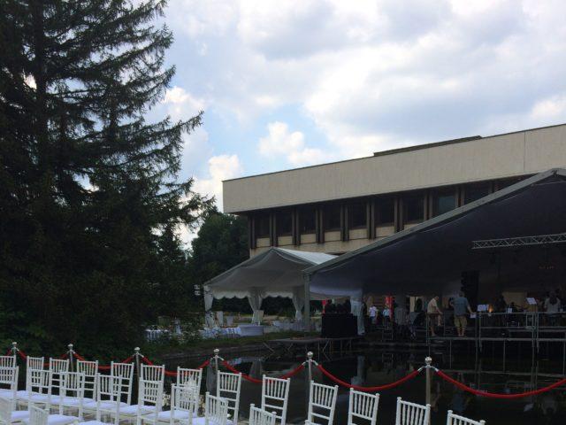 Сватба в НИМ Бояна 300 гости