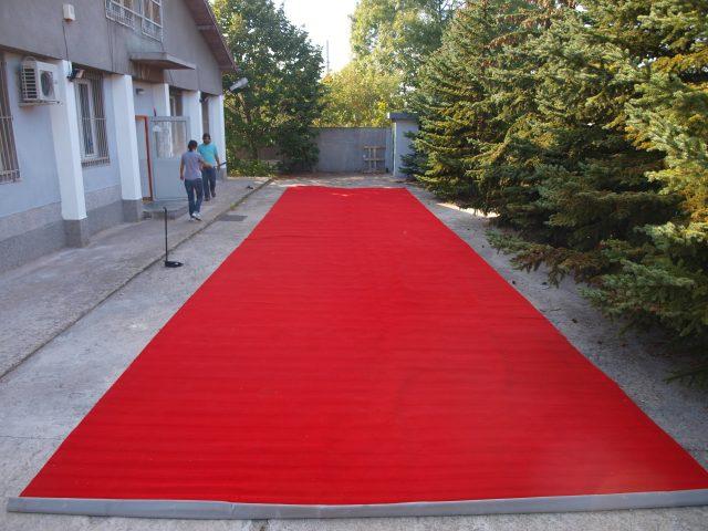 Червена пътека , персийски тип, р-ри: 2 х 10 метра