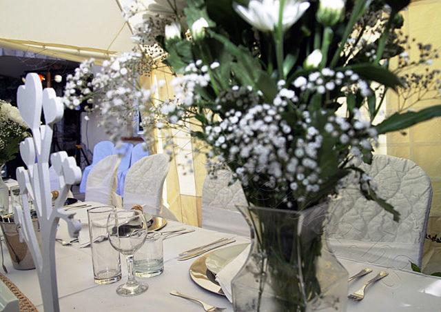 Градинска сватба в частен дом