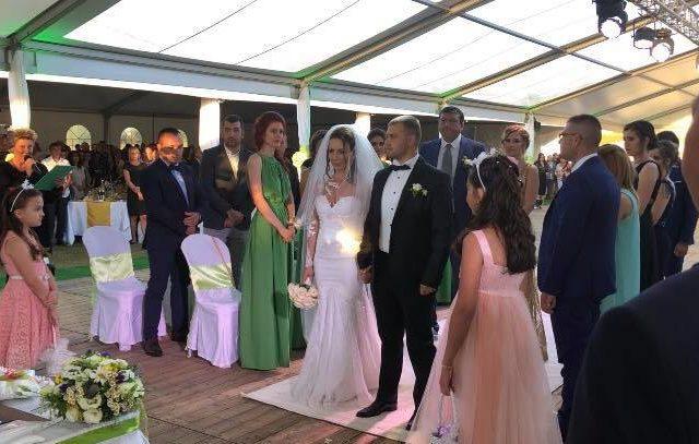 Сватбата на Вели и Низел в с.Острово, 1200 гости